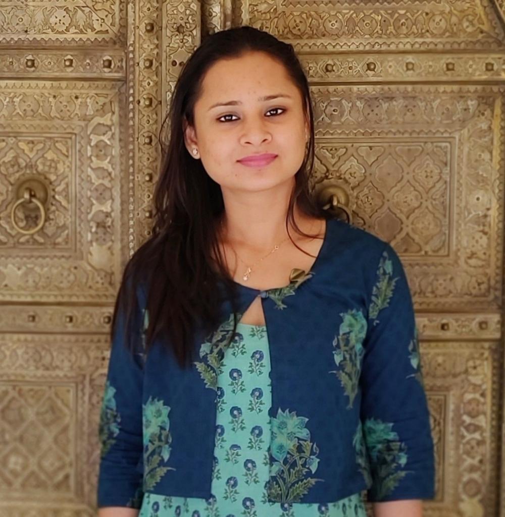 Sanjivini,Dentist, Kanpur Blogger, Founder of Glitter paper