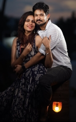 Celebrity wife Sruthi with her husband Nakul