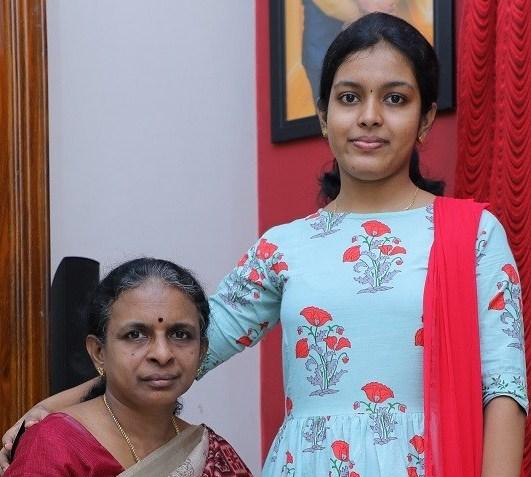 Nilanka and her mom - Owners of Oyila